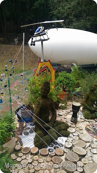 В начале сентября мы опять побывали на выставке Воронеж город сад!В этом году она была 4 дня!Очень понравилось!Мы два дня там гуляли! Самое любимое детьми-это прыгать по сену! фото 47