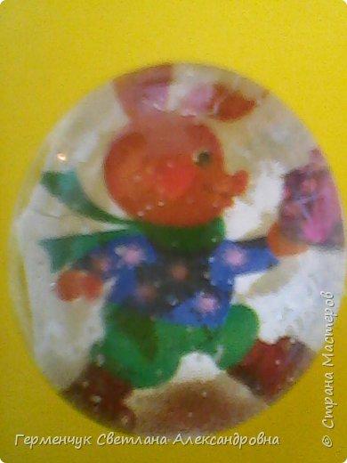 """Аппликацию на стеклянных камешках  придумала и выполнила  Катя К Людмила Витальева написала стихотворение """"Капля воды"""" Капля воды на раскрытой ладошке,в ней отражается небо немножко, фото 5"""