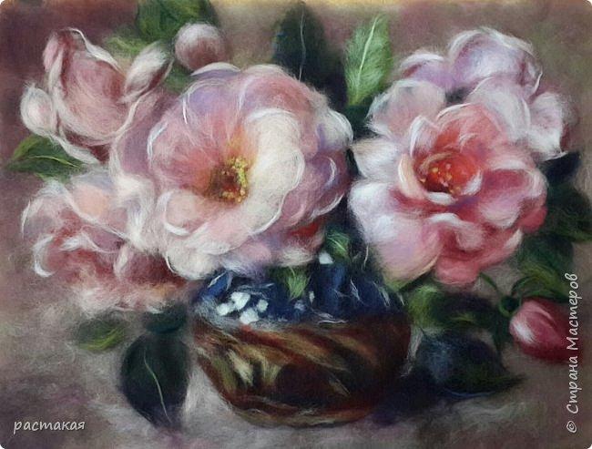 Три картины с мастер класса Яны Богдановой. Шиповник в вазе фото 1