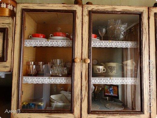 Продолжаю рассказ о попытке сделать уютным дом с минимальными затратами.  Покупка нового кухонного гарнитура не входит в число запланированных покупок на ближайшее время, поэтому пришлось .... состарить имеющийся   фото 11