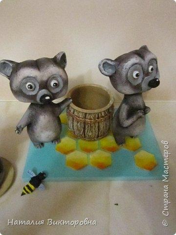 Вот такие сладкоежки- или еноты, или медведи , главное любят мед! фото 3