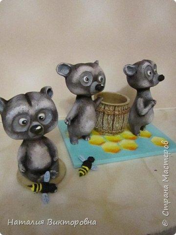 Вот такие сладкоежки- или еноты, или медведи , главное любят мед! фото 5