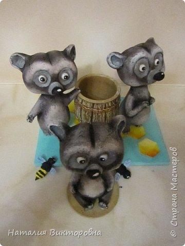 Вот такие сладкоежки- или еноты, или медведи , главное любят мед! фото 2