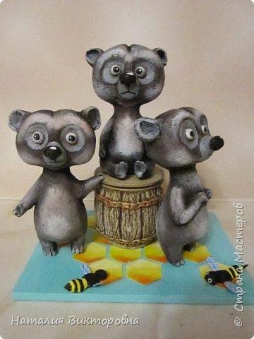 Вот такие сладкоежки- или еноты, или медведи , главное любят мед! фото 1