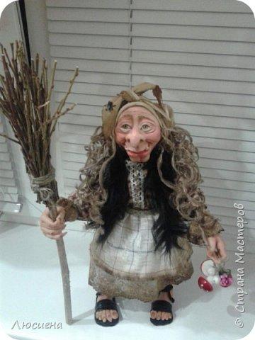 Бабка ежка. Кукла ручной работы.высота 40 см .Выполнена в смешанной технике(пластика плюс скульптурный текстиль) фото 2