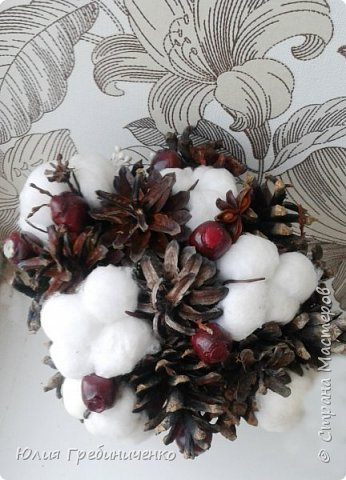 На свадьбу, которая запланирована в период зимних холодов, часто молодожены задумываются о выборе цветов. Зимой сложно сохранить свежесть букета, а ассортимент «стойких» к морозному воздуху растений невелик фото 3