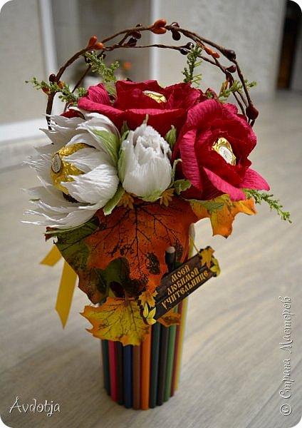 Всем здравствуйте!! У меня тоже, как у всех, наступила осень, но работ осенних не так много. Поделюсь тем, что есть. фото 6