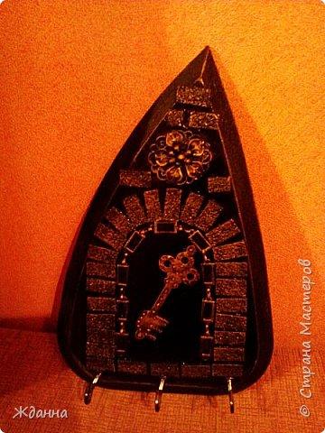 Соскучилась по черненькому. ))))))) Ключница для ключей от дома, где деньги лежат. фото 1