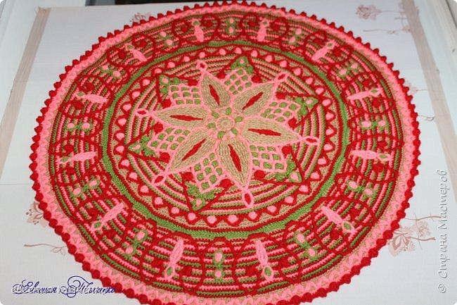Коврик связан в технике  Overlay Crochet, размер 74 см, мастер класс тут http://www.liveinternet.ru/users/5915568/post401705353/ фото 1