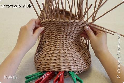 Здравствуйте, жители Страны мастеров. В своей записи http://stranamasterov.ru/node/847941 я обещала сделать мастер-класс по плетению такого башмака, как только мне понадобится его сплести. Время пришло. фото 16