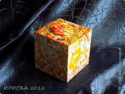 Привет всем!!! Эта магическая коробочка родилась у меня совершенно спонтанно. Материалы я использовала только те, что были дома. Купила только один кусочек мыла, но обо всем по порядку. У родителей мужа в этом году 34 года свадьбы, а значит она янтарная. Задумывала я совсем другую поделку, пошла купить янтарные бусы, но в магазине их не нашла. Потому решила делать что-то в янтарных тонах. Так и родилась моя янтарная коробочка. фото 3