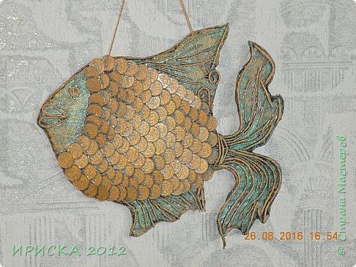 Приветствую жителей и гостей нашей прекрасной Страны Мастеров!!!  Я к Вам с золотой рыбкой. Задумка была очень давно и заготовка лежала с прошлого года. Сотворилась она у меня ко дню рождения моего папочки, он у меня заядлый рыбак. фото 3