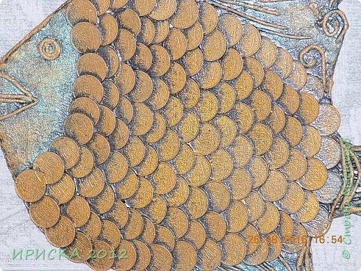 Приветствую жителей и гостей нашей прекрасной Страны Мастеров!!!  Я к Вам с золотой рыбкой. Задумка была очень давно и заготовка лежала с прошлого года. Сотворилась она у меня ко дню рождения моего папочки, он у меня заядлый рыбак. фото 4