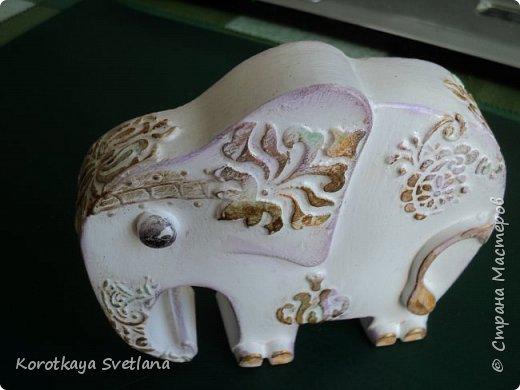 Приветствую жителей Страны мастеров! Вот такие слоники отлитые из гипса у меня появились благодаря Литвиновой Наташе. Наташенька, благодарю за идею. Твои слоники бесподобны! Я тоже старалась и вот что вышло. фото 10