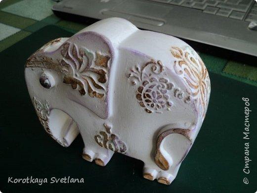 Приветствую жителей Страны мастеров! Вот такие слоники отлитые из гипса у меня появились благодаря Литвиновой Наташе. Наташенька, благодарю за идею. Твои слоники бесподобны! Я тоже старалась и вот что вышло. фото 11