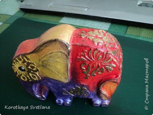 Приветствую жителей Страны мастеров! Вот такие слоники отлитые из гипса у меня появились благодаря Литвиновой Наташе. Наташенька, благодарю за идею. Твои слоники бесподобны! Я тоже старалась и вот что вышло. фото 7