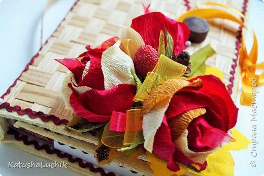 """Всем привет! Показываю свои работы ко Дню учителя. Журнал создавался для молодой учительницы начальных классов. В розах 6 конфет """"Осенний вальс"""" и 5 """"Марсианка"""" три шоколада. фото 8"""