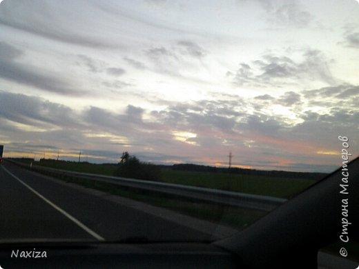Всем огромный привет! Несколько дней назад, мы с мужем ехали из Москвы по Киевскому шоссе, и наблюдали такой закат,  это 200 км от Москвы. Такой красоты я давно не видела. Небо полыхало. Приглашаю вас со мной... фото 4