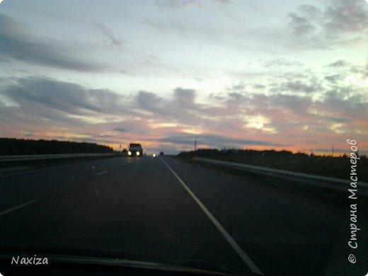 Всем огромный привет! Несколько дней назад, мы с мужем ехали из Москвы по Киевскому шоссе, и наблюдали такой закат,  это 200 км от Москвы. Такой красоты я давно не видела. Небо полыхало. Приглашаю вас со мной... фото 1