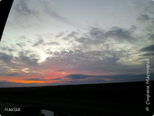 Всем огромный привет! Несколько дней назад, мы с мужем ехали из Москвы по Киевскому шоссе, и наблюдали такой закат,  это 200 км от Москвы. Такой красоты я давно не видела. Небо полыхало. Приглашаю вас со мной... фото 6