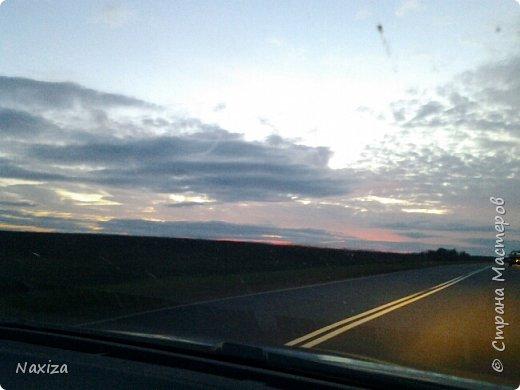 Всем огромный привет! Несколько дней назад, мы с мужем ехали из Москвы по Киевскому шоссе, и наблюдали такой закат,  это 200 км от Москвы. Такой красоты я давно не видела. Небо полыхало. Приглашаю вас со мной... фото 10