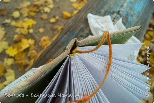"""Всем привет!!! У меня вне зависимости от праздников или будней снова котейка на обложке блокнота:) Я использовала  один двухсторонний лист из коллекции """"Осень в кармане"""" от Mr.Painter. Вроде лист один, а впечатление такое, что все три листа там - настолько всё разнообразно, гармонично:) фото 12"""