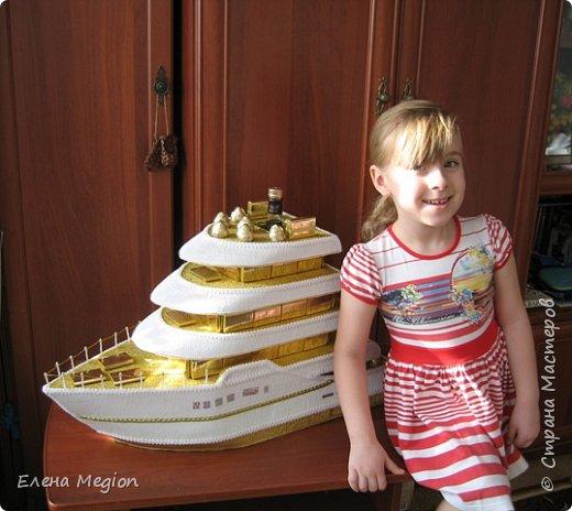 В моей скромной коллекции всего две яхты и три кораблика, но я их обожаю(от скромности не умру) фото 2