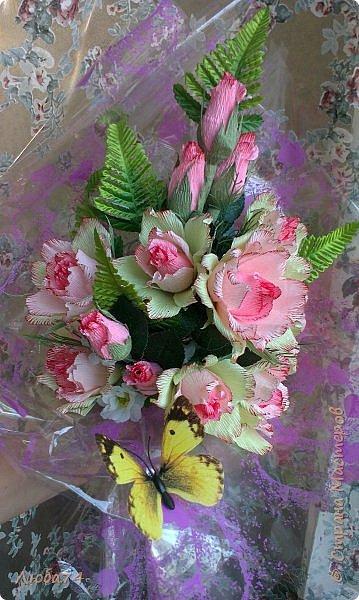 Всем, доброго дня! Сегодня школьники и педагоги многих стран мира отмечают День учителя.  Великое и благородное слово - учитель! Вы счастливые люди, потому что работаете по призванию сердца и души! Пусть не всегда бывает легко, пусть ваши будни порой наполнены хлопотами, неприятностями или заботами, но вы несете детям мудрость, учение и доброту! В День учителя разрешите поздравить вас и пожелать неувядаемого оптимизма, крепчайшего здоровья, красоты тела и бодрости духа! Любите и будьте  любимы! Теплоты и терпения в общении с учениками, уважения и высокой оценки от коллег, благодарности и признательности от родителей! Любви и понимания в ваших семьях, здоровья, счастья и мира!!  фото 12