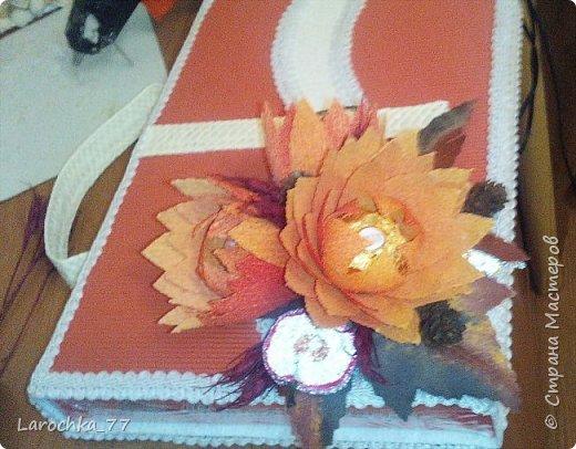 """Первый раз делала такого рода сборные цветы. Очень мне понравились. Внутри коробка """"Родные просторы"""".  фото 2"""