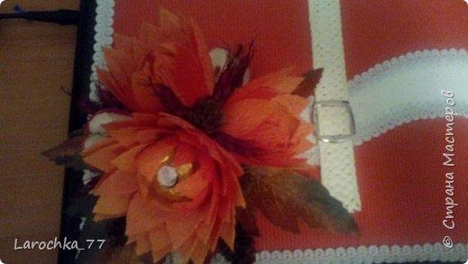 """Первый раз делала такого рода сборные цветы. Очень мне понравились. Внутри коробка """"Родные просторы"""".  фото 4"""
