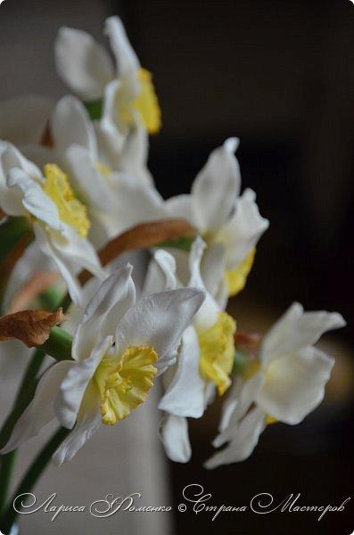 А у меня - Весна !!!  Нарциссы из полимерной глины.  Нарциссы у меня уже были, это повтор, они будут добавлены в два разных букета.   фото 7