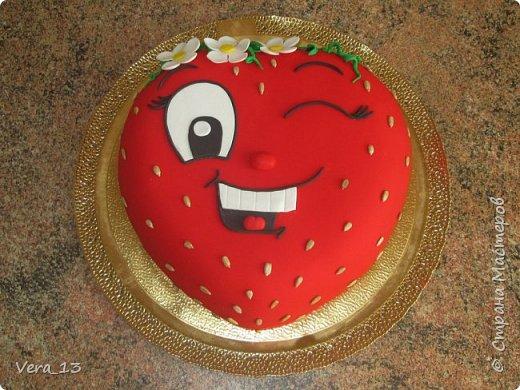 Привет, Страна! Накопились тортики, давно не выкладывала. Приглашаю в гости) Приятного просмотра) Очень много стали заказывать с фруктами. фото 9