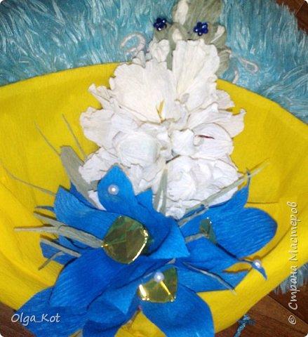 Букетик подготовлен в подарок на День Рождения бабушке. В букете 15 конфеток спрятались ))) фото 5