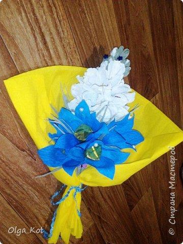 Букетик подготовлен в подарок на День Рождения бабушке. В букете 15 конфеток спрятались ))) фото 1