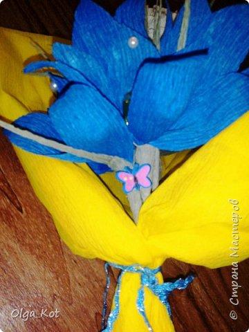 Букетик подготовлен в подарок на День Рождения бабушке. В букете 15 конфеток спрятались ))) фото 3