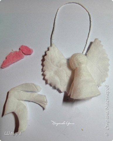 Пока делала ангелочков из ватных дисков http://stranamasterov.ru/node/1052665,  подумала, что по такому же принципу можно сделать и петушков. фото 2