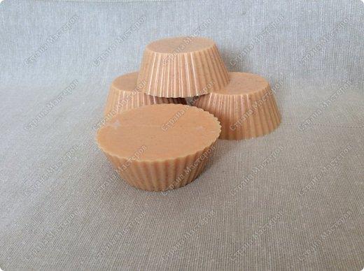 Моё мыльце с эфирным маслом корицы и молотой корицей.  Настоящее зимнее мыло ))) фото 3
