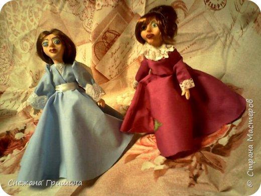 добрый вечер Страна мастеров!!!!! Хочу представить мое новое заните1 куклы!  это мои первые куклы в жизни..которые сделала сама!!  О куклах мечтала давно..собирала материал разный..все как то не начиналось..мне вообще люди с трудом даются..в вышивке даже..я долго собраться не могу и работа долго длиться..Но тут вот что то осенило!  Конечно не идеальные получились...оооочень много ошибок .недочетов.ошибок и тд..но все же...они получились!!!  Я сама то любуюсь ими...долго не решалась показывать их..но хочется научится и дельных подсказок!!! фото 1