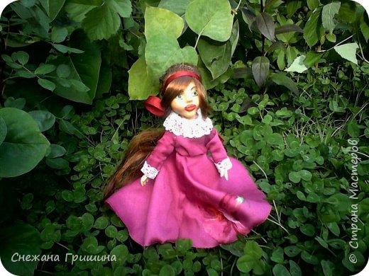 добрый вечер Страна мастеров!!!!! Хочу представить мое новое заните1 куклы!  это мои первые куклы в жизни..которые сделала сама!!  О куклах мечтала давно..собирала материал разный..все как то не начиналось..мне вообще люди с трудом даются..в вышивке даже..я долго собраться не могу и работа долго длиться..Но тут вот что то осенило!  Конечно не идеальные получились...оооочень много ошибок .недочетов.ошибок и тд..но все же...они получились!!!  Я сама то любуюсь ими...долго не решалась показывать их..но хочется научится и дельных подсказок!!! фото 4