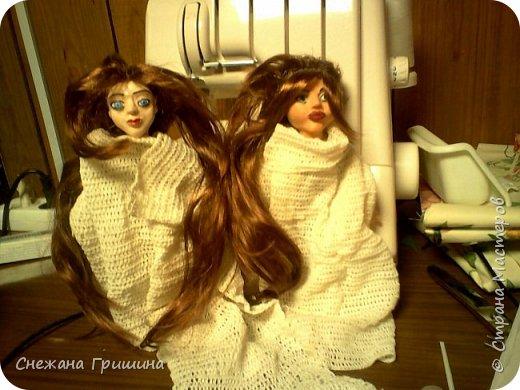 добрый вечер Страна мастеров!!!!! Хочу представить мое новое заните1 куклы!  это мои первые куклы в жизни..которые сделала сама!!  О куклах мечтала давно..собирала материал разный..все как то не начиналось..мне вообще люди с трудом даются..в вышивке даже..я долго собраться не могу и работа долго длиться..Но тут вот что то осенило!  Конечно не идеальные получились...оооочень много ошибок .недочетов.ошибок и тд..но все же...они получились!!!  Я сама то любуюсь ими...долго не решалась показывать их..но хочется научится и дельных подсказок!!! фото 19