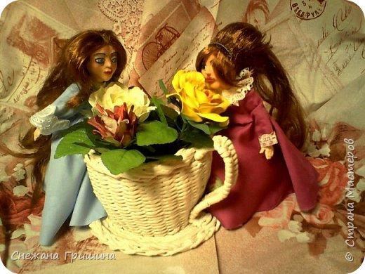 добрый вечер Страна мастеров!!!!! Хочу представить мое новое заните1 куклы!  это мои первые куклы в жизни..которые сделала сама!!  О куклах мечтала давно..собирала материал разный..все как то не начиналось..мне вообще люди с трудом даются..в вышивке даже..я долго собраться не могу и работа долго длиться..Но тут вот что то осенило!  Конечно не идеальные получились...оооочень много ошибок .недочетов.ошибок и тд..но все же...они получились!!!  Я сама то любуюсь ими...долго не решалась показывать их..но хочется научится и дельных подсказок!!! фото 17