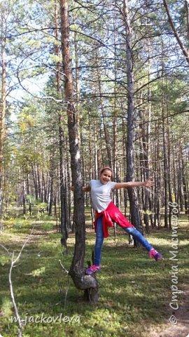 Доброго времени суток жители Страны. Хочется поделиться с вами прогулкой на день города Якутска.Погода нас нынче балует. Тепло. Это мои внучки. Младшая Катюша, старшая Лиза фото 12