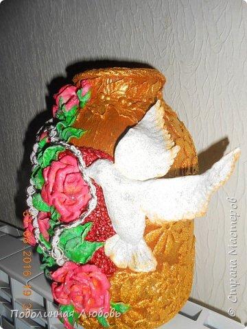 БАНКа для молодоженов. Сюда гости вкладывают денюжку для молодой семьи. Коллега попросила сделать оригинальную банку на свадьбу своего внука.  Весь декор из ватных дисков. Сердце под розами присыпано крупой. фото 3