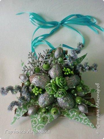 Добрый вечер,Страна! Сегодня я к вам с очередной порцией новогодних работ-ёлки-подвески из природного материала! Первые такие ёлочки можно посмотреть здесь http://stranamasterov.ru/node/976523  фото 8