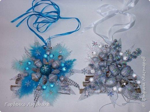 Добрый вечер,Страна! Сегодня я к вам с очередной порцией новогодних работ-ёлки-подвески из природного материала! Первые такие ёлочки можно посмотреть здесь http://stranamasterov.ru/node/976523  фото 16