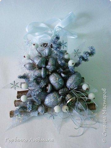 Добрый вечер,Страна! Сегодня я к вам с очередной порцией новогодних работ-ёлки-подвески из природного материала! Первые такие ёлочки можно посмотреть здесь http://stranamasterov.ru/node/976523  фото 18