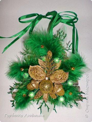 Добрый вечер,Страна! Сегодня я к вам с очередной порцией новогодних работ-ёлки-подвески из природного материала! Первые такие ёлочки можно посмотреть здесь http://stranamasterov.ru/node/976523  фото 22
