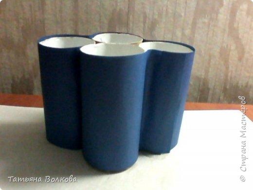Для изготовления поделки взяла трубочки из под туалетной бумаги и набор на морскую тематику. Так же клей, ножницы и цветная бумага. фото 5