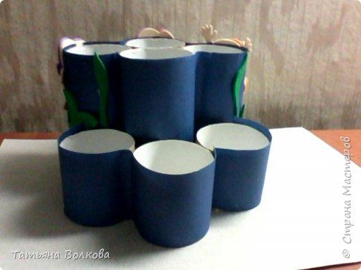 Для изготовления поделки взяла трубочки из под туалетной бумаги и набор на морскую тематику. Так же клей, ножницы и цветная бумага. фото 8