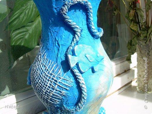 Декорировали  облупившуюся вазу. Обнаружила, что хороших снимков готовой вазы и нет. А она уже унесена на работу, стеллаж украшает и ждёт выставки. фото 11